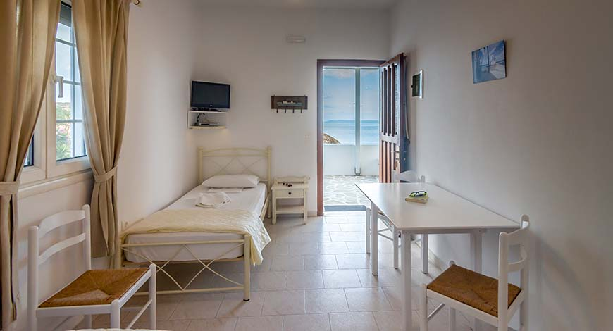 Apartment 4 - Apartments & Studios in Milos